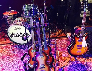 the-weeklings-stage-setup